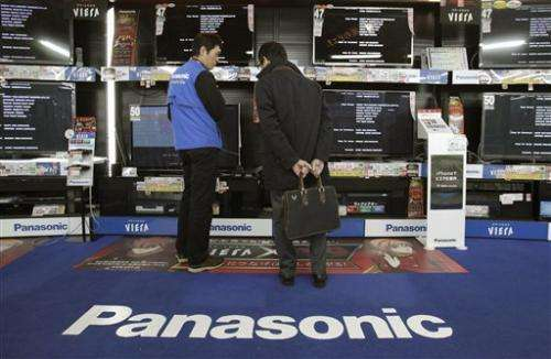 Panasonic, Sharp expect red ink despite yen help
