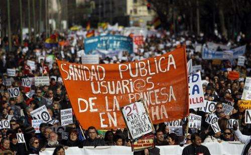 Spaniards protest health care reforms