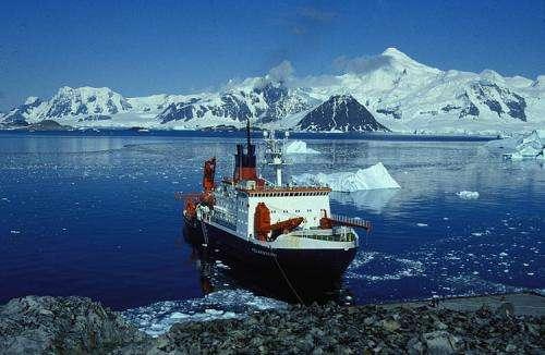 Tropical air circulation drives fall warming on Antarctic Peninsula