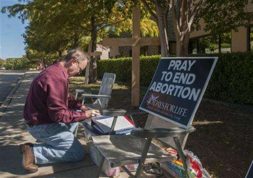 Reinstatement of abortion law closes Texas clinics