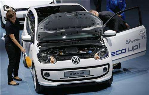 Automakers bet on alternative-fuel cars for future