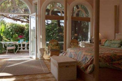 Vegas developer selling $7.85M mansion for bitcoin