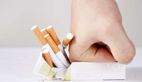 Researchers call on physicians to urge newly diagnosed cancer patients to quit smoking
