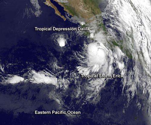 Satellites see ups and downs of 2 tropical Eastern Pacific systems