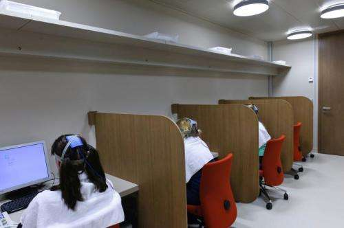 Brain stimulation affects compliance with social norms
