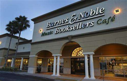 Barnes & Noble swings to 2Q profit