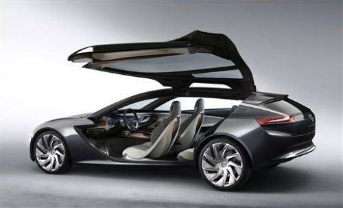 Hybrids, concept cars generate auto show buzz