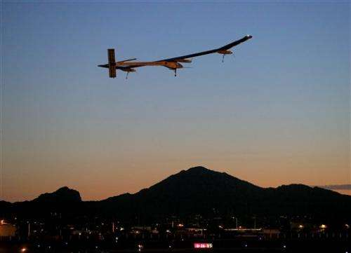 A plane that runs on the sun to end US journey