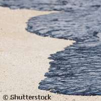 A simple but smart solution to containing tanker oil spills