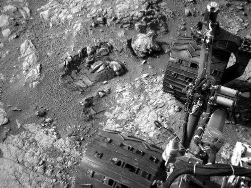 Curiosity resumes science investigations