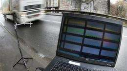 Doctoral student designs microphones that monitor road traffic