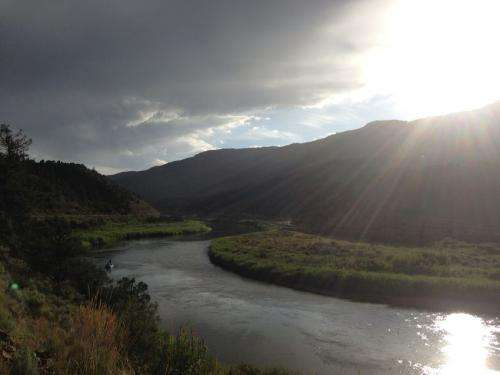 Researchers estimate amount of CO2 released into atmosphere by rivers and streams