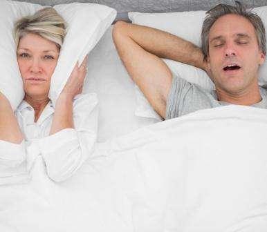 Flinders road-tests new anti-snore pillow