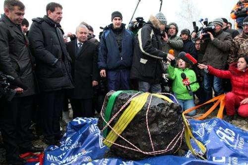 Giant chunk of Russian meteorite found in lake
