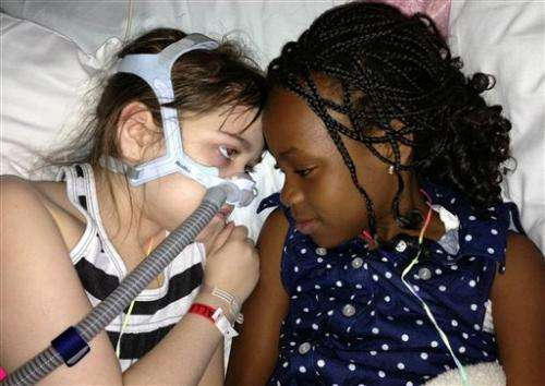 Girl who got new lungs in Pa. has pneumonia