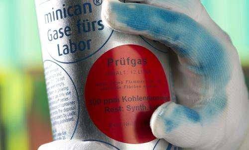 Glove shows its true colors