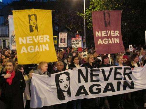 Irish lawmakers back bill on life-saving abortions