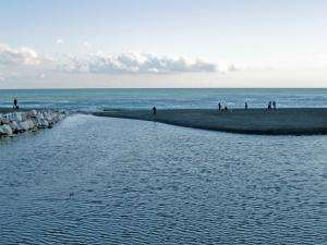 Local factors cause dramatic spikes in coastal ocean acidity