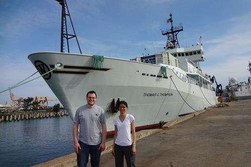 Microbe quest: Geologist investigates microbial communities at underwater volcano near Hawaii