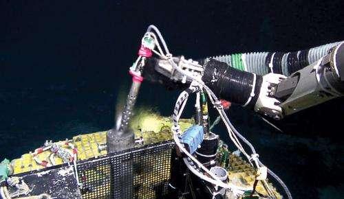 Natural deep-sea batteries