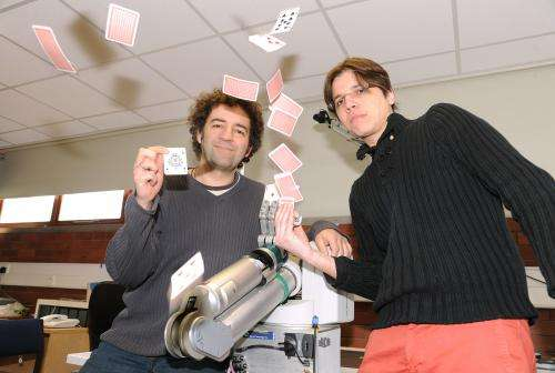 Neuro-magic: Magician uses magic tricks to study the brain's powers of perception and memory