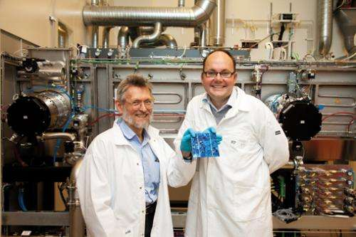 Next generation solar cells: Trapping sunlight with microbeads