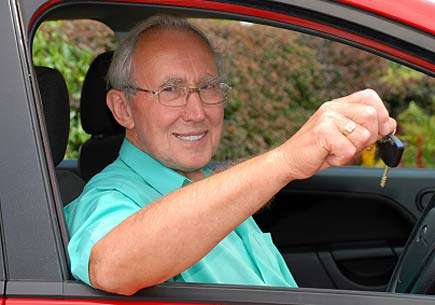 Older drivers more likely to buy new vehicles