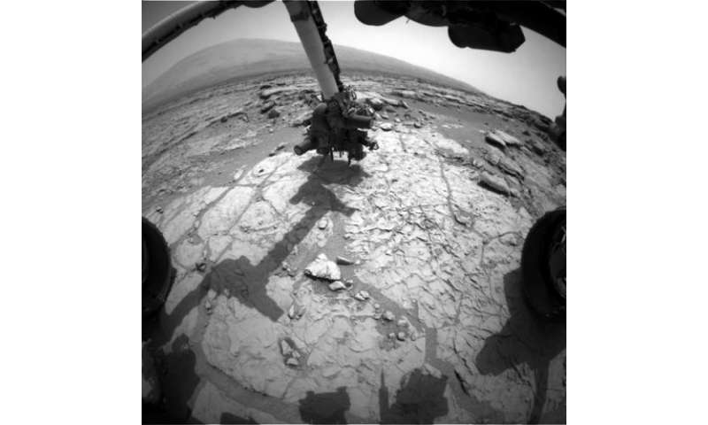 Curiosity maneuver prepares for drilling