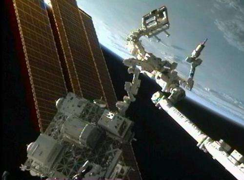 Robotic refueling mission practices new tasks