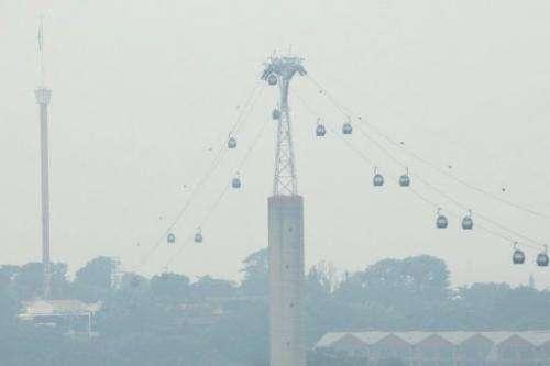 Smoky-smelling haze shrouds Singapore, on June 17, 2013