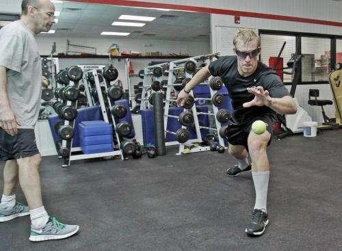Strobe glasses improve hockey players' performance