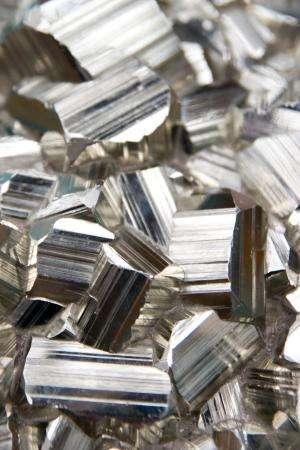 The ferromagnetic Kondo effect