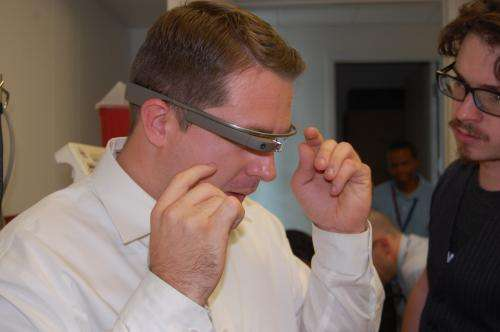UA Medical Students Work With Google Glass