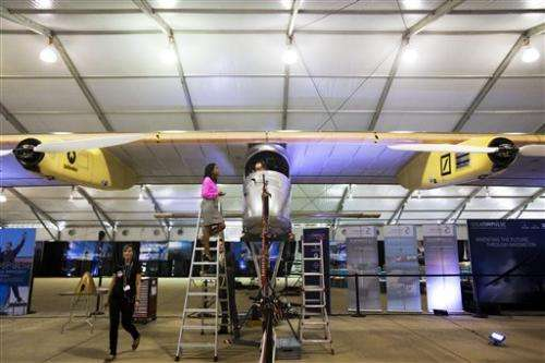 US official: Solar plane to help ground energy use