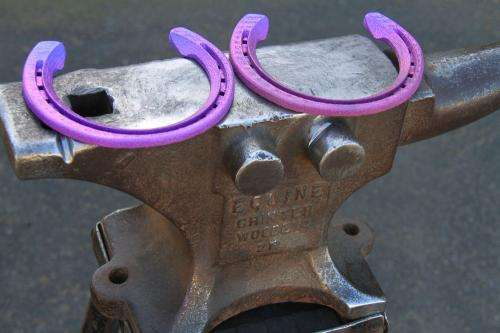 3-D printed horseshoe to improve racing performance