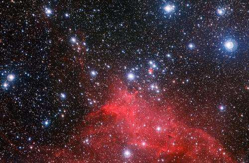 Young stars paint spectacular stellar landscape