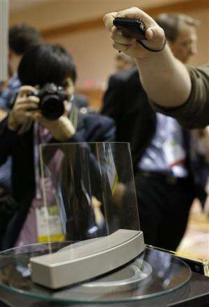 Gadget Watch: Crystal clear sound in glass speaker