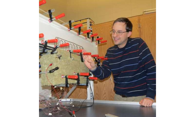 Mechanical engineer investigates passive cooling system for microelectronics