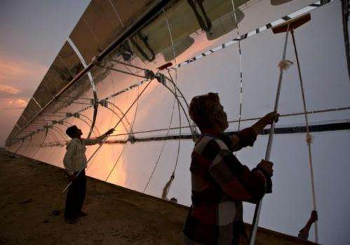 Renewable energy market share climbs despite 2013 dip in investments