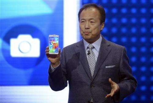 Samsung unveils phone with heart-rate monitor