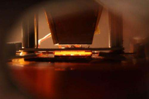 Solar-power device would use heat to enhance efficiency