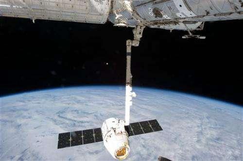 Space station launch Monday despite dead computer