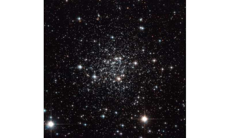 Image: Hubble looks into Terzan 7