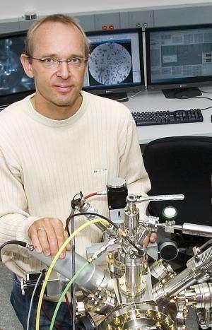 Microscopy reveals how atom-high steps impede oxidation of metal surfaces