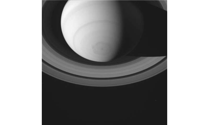 Ringed planet dances in raw Cassini images