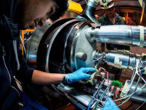 Strengthening electrical connections of the superconducting circuits on the Large Hadron Collider