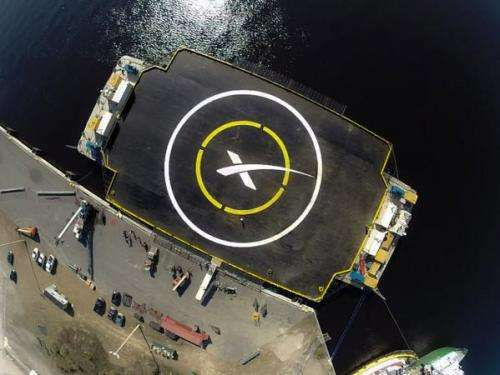 Successful engine test enables SpaceX Falcon 9 soar to space station in Jan. 2015