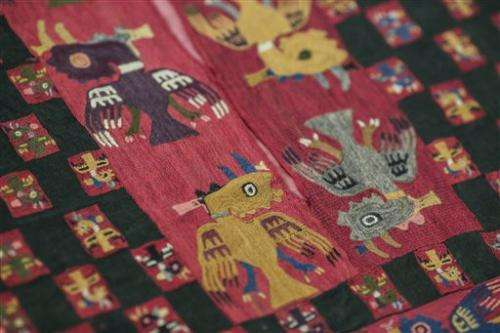Sweden returns pre-Incan funeral shroud to Peru (Update)