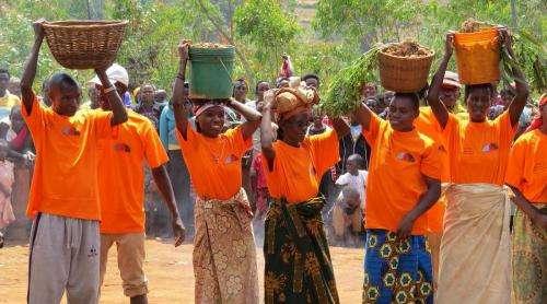 Burundi farmers teach each other how to farm more efficiently
