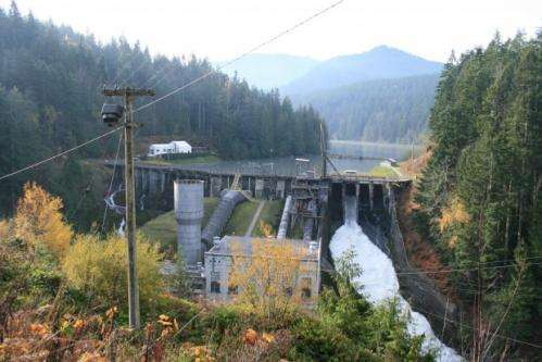 Students explore effects of nation's largest dam removal